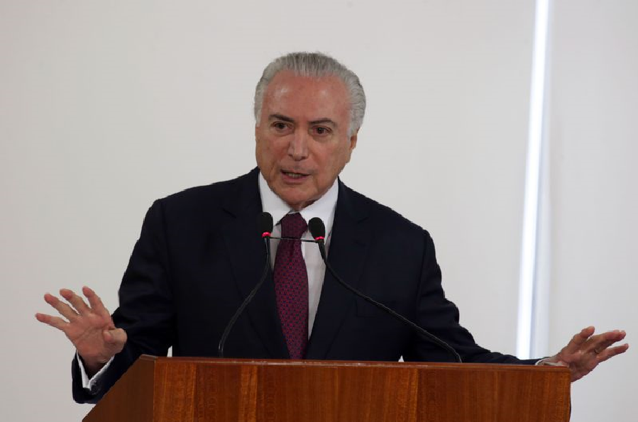 """Temer lamenta tiros contra caravana de Lula e relaciona com clima de """"uns contra outros"""""""