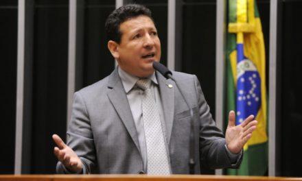 Deputado do Amapá é denunciado pela PGR por soco na boca de eleitor