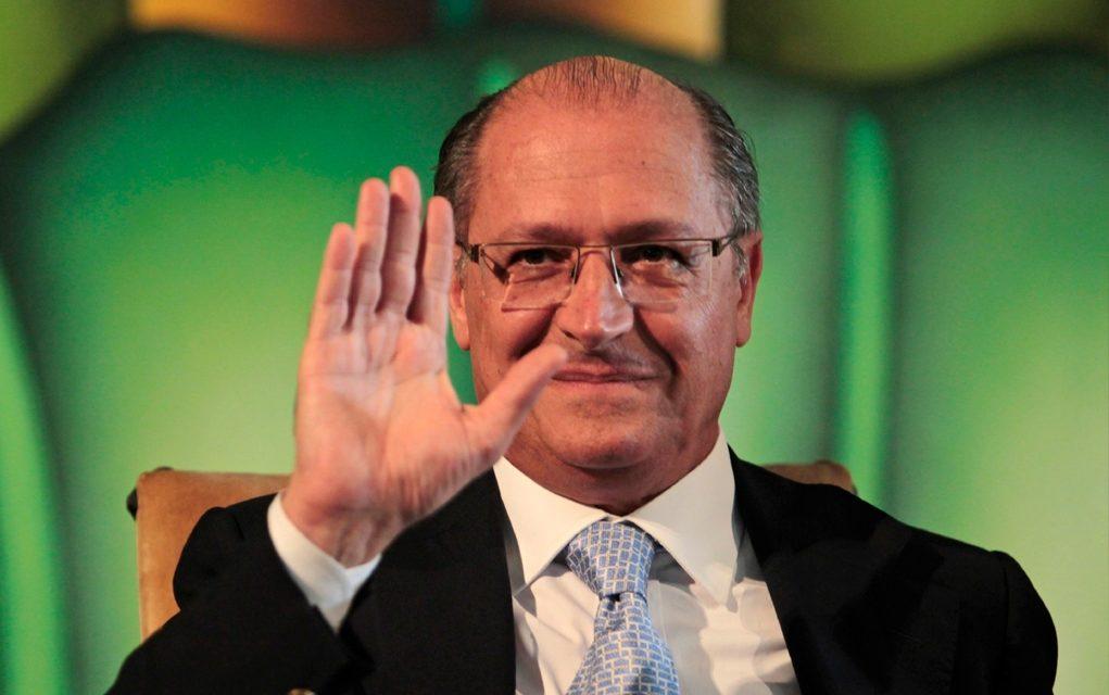 Alckmin tenta conciliar discurso para atrair tucanos e petistas