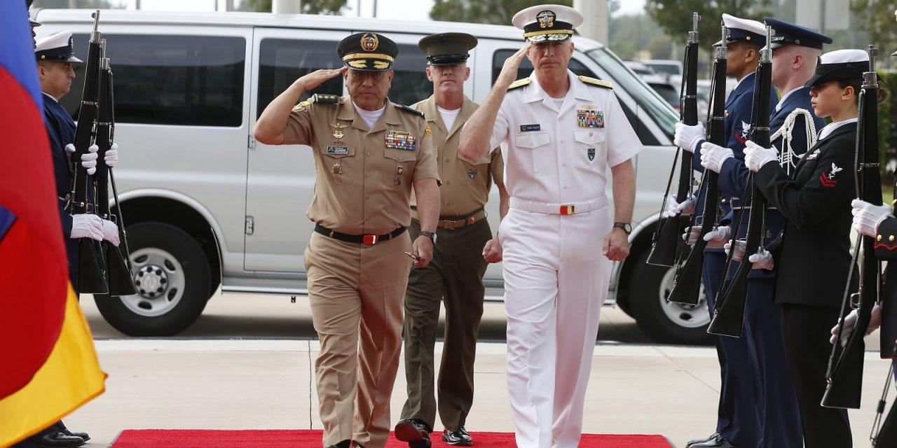 Comandantes militares dos EUA e da Colômbia pressionam Forças Armadas da Venezuela