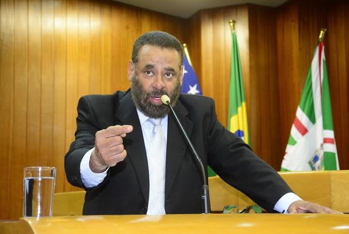 """""""Tribunais só servem para manter mordomias e privilégios"""", diz vereador ao defender fechamento do TCM"""