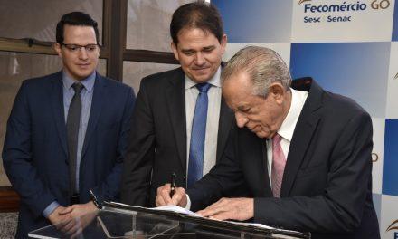 Fecomércio e Prefeitura de Goiânia fecham parceria que levará benefícios a mais de 10 mil pessoas
