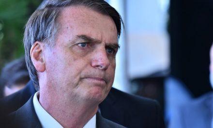 Bolsonaro se cala duas vezes sobre o MEC