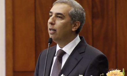 PF faz buscas em endereços do ex-governador de Goiás José Eliton
