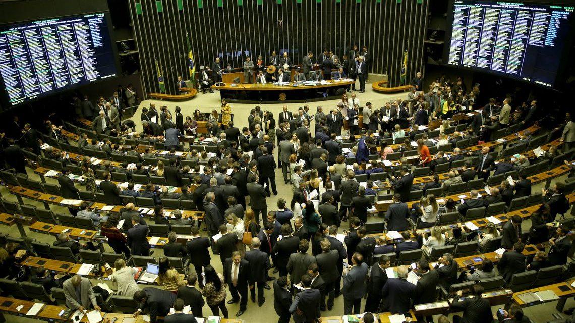 Deputados aprovam PEC do Orçamento Impositivo; texto vai para o Senado