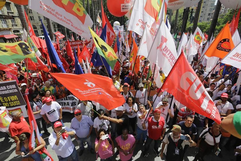 Dia do Trabalho terá manifestações contra nova previdência em Goiás, DF e mais 12 Estados