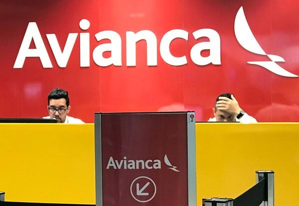 Avianca cancela mais de 300 voos