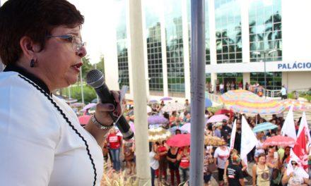 Sintego decide suspender greve dos professores em Goiás