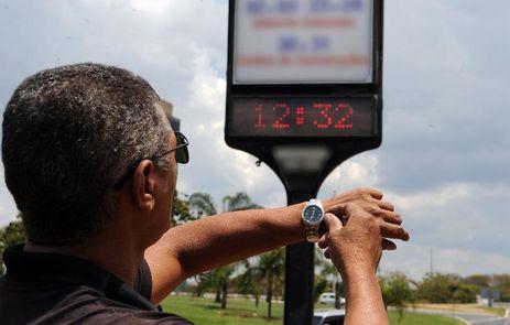 Governo anuncia oficialmente fim do horário de verão