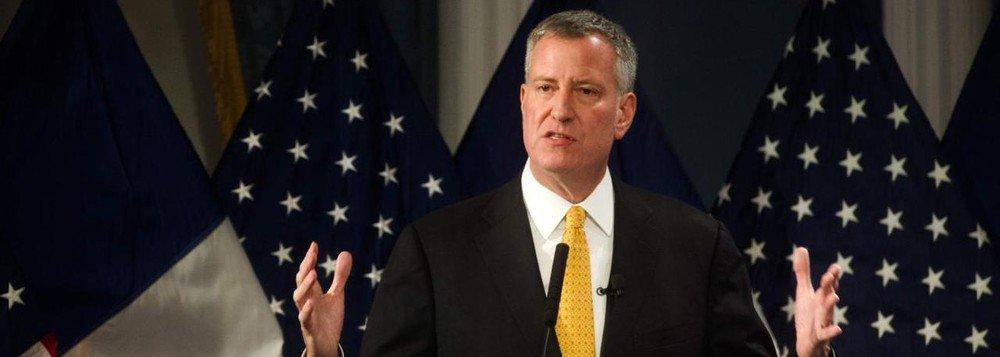 Prefeito de Nova York chama Bolsonaro de 'ser humano perigoso'