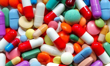 Remédios ficam até 4,33% mais caros a partir de hoje
