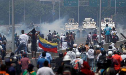 Comunidade internacional repercute dia de violência na Venezuela