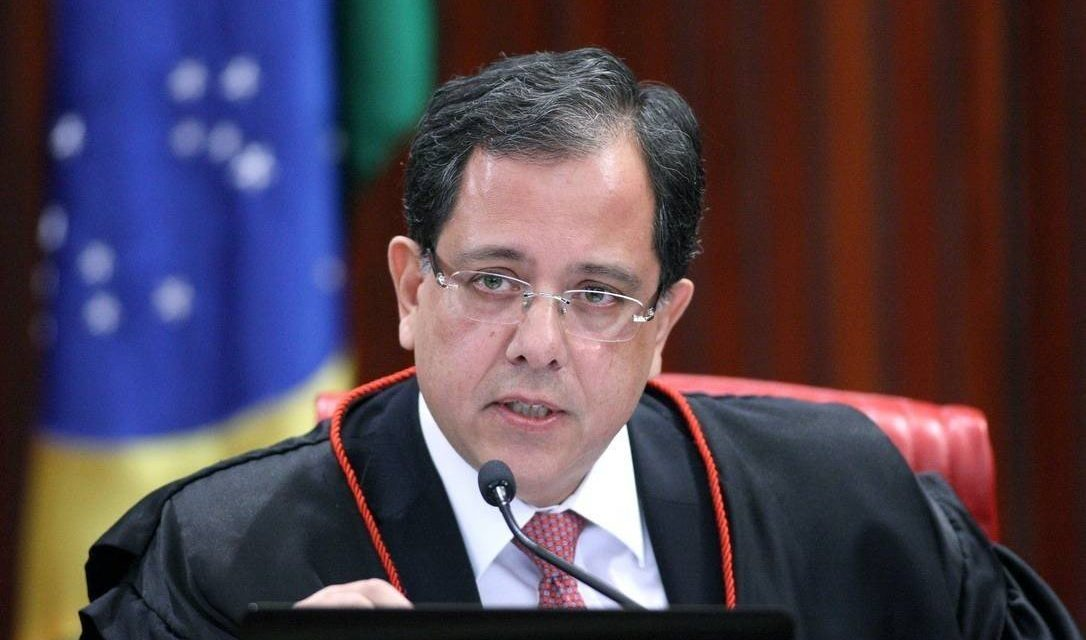 Bolsonaro nomeia Sérgio Banhos como ministro do TSE