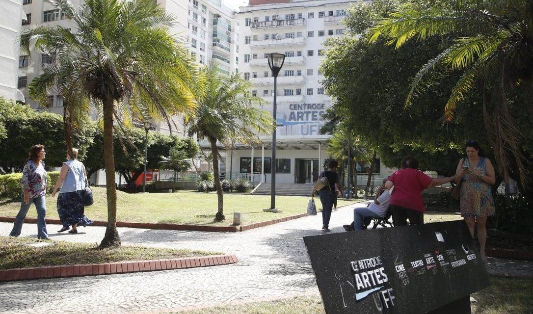 MEC vai cortar verba de universidades que tiverem 'baixo desempenho' e fizerem 'balbúrdia'