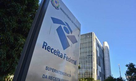 PF apreende computadores de servidores da Receita que acessaram dados de Bolsonaro
