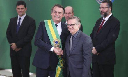 Bolsonaro sobre Vélez: 'É bastante claro que não está dando certo'
