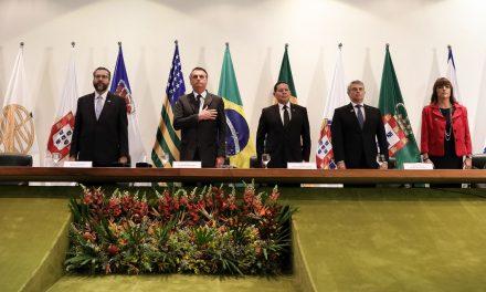 Não queremos 'outra Venezuela mais ao sul do nosso continente', diz Bolsonaro sobre Argentina