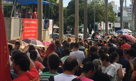 Em Goiás, 40 municípios aderem à greve nacional contra previdência e cortes na Educação