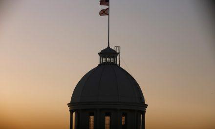 Parlamentares do Alabama aprovam lei que proíbe aborto mesmo em casos de estupro e incesto