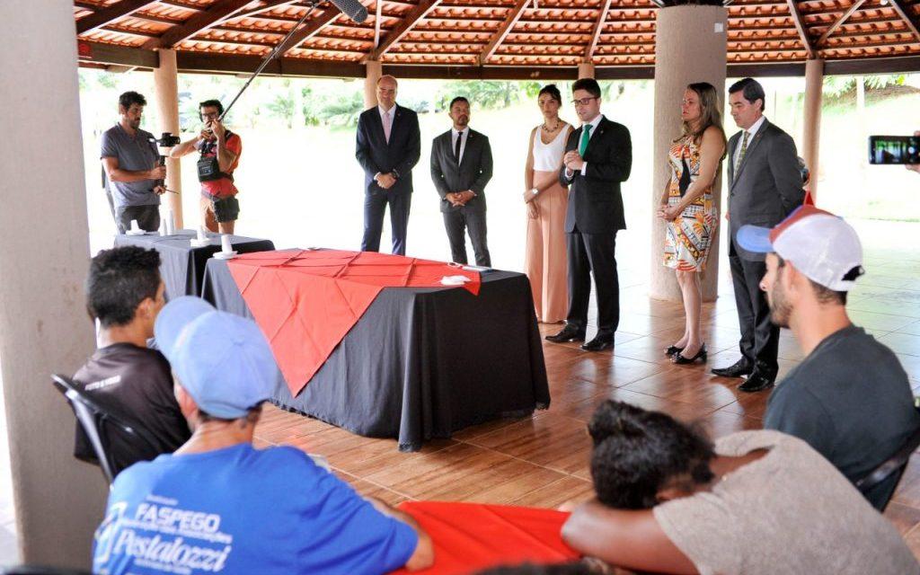 DPE e MPT de Goiás lançam projeto para capacitar pessoas em situação de rua
