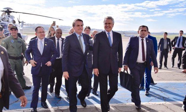 Durante visita a Goiânia, Bolsonaro diz que há possibilidade de revogar artigo da reforma sobre deficientes