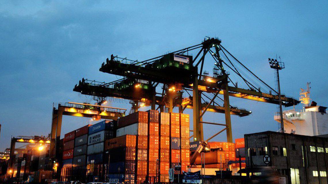 Balança comercial tem superávit de R$ 6,061 bilhões em abril