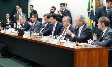 Guedes: reforma da Previdência combate privilégios e aumenta igualdade