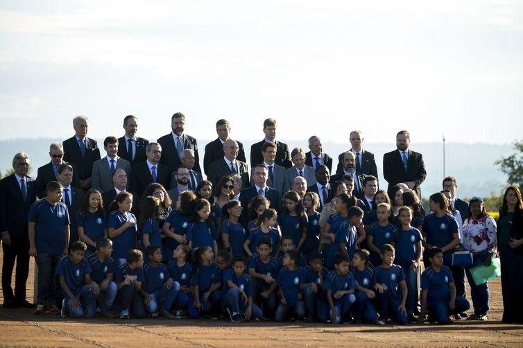 Bolsonaro se reúne hoje com ministros no Palácio da Alvorada