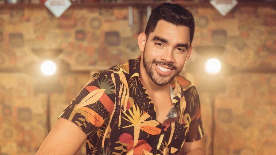 Avião cai e mata cantor Gabriel Diniz