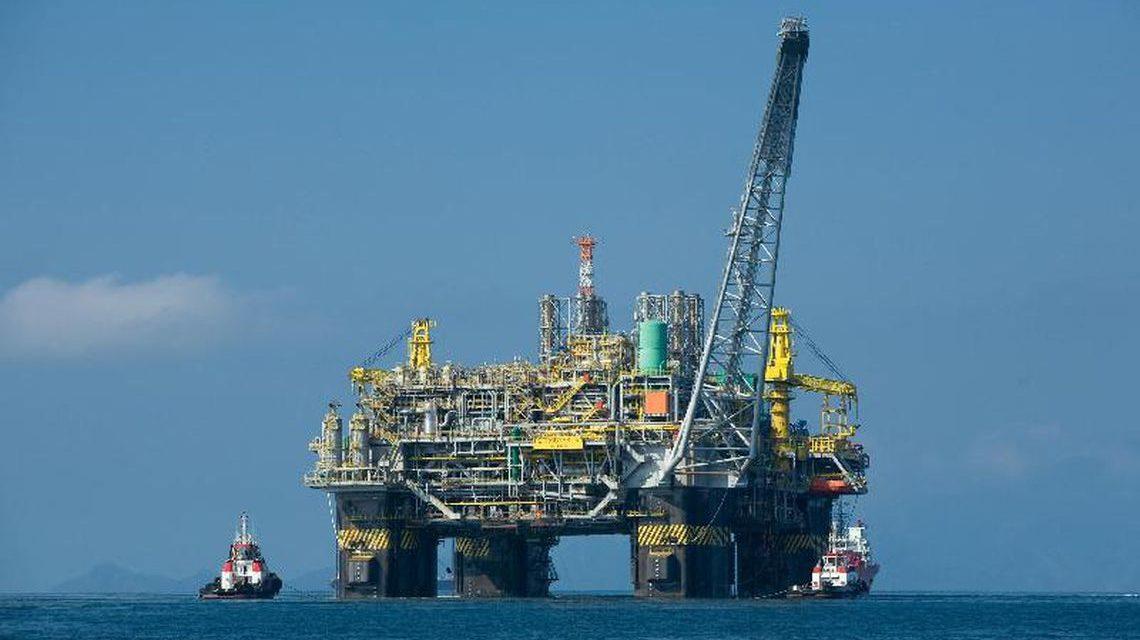 Produção de petróleo cresce 2,8% de fevereiro para março