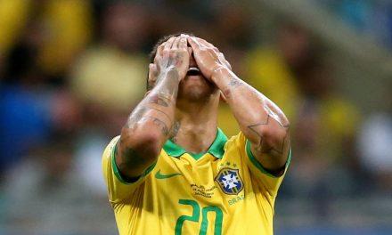 Primeiro anfitrião a perder pontos para Venezuela, Brasil escreve marcas indigestas com empate