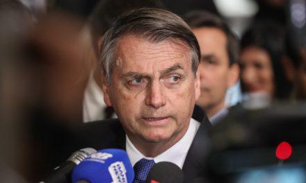 Bolsonaro diz que vai recorrer da decisão que absolveu Adélio