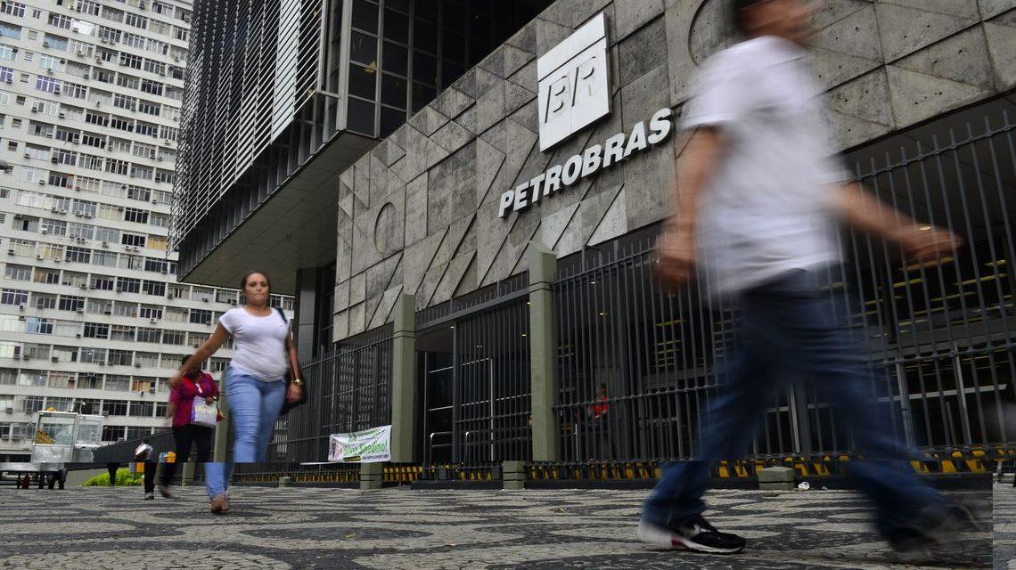 Venda de ações da Petrobras em poder da Caixa movimentará R$ 7,2 bi