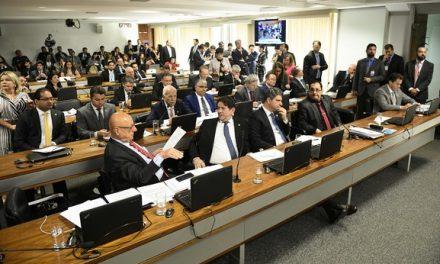 CCJ do Senado aprova relatório que pede a suspensão do decreto de Bolsonaro sobre armas