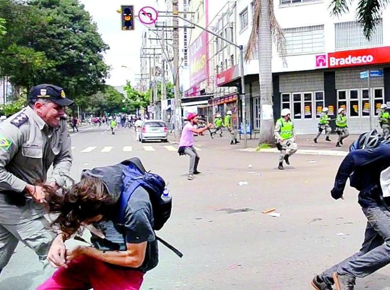 PM que agrediu manifestante em Goiânia é promovido por merecimento