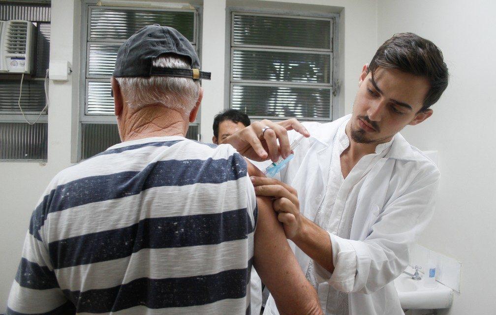 Vacinação contra a gripe é aberta para toda a população a partir de hoje