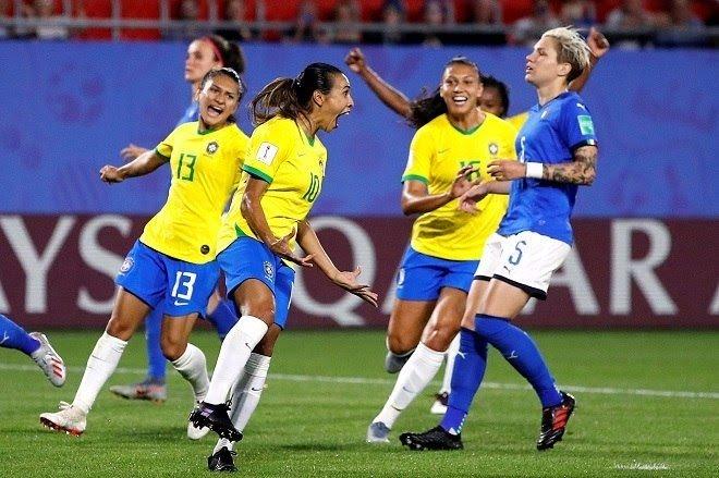 Brasil vence Itália e avança para as oitavas de final