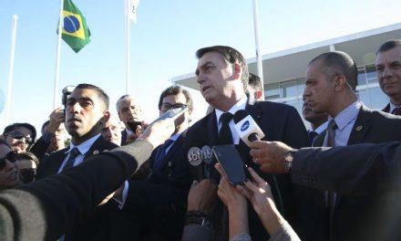 'Dificilmente teremos concursos no Brasil nos próximos poucos anos', diz Bolsonaro