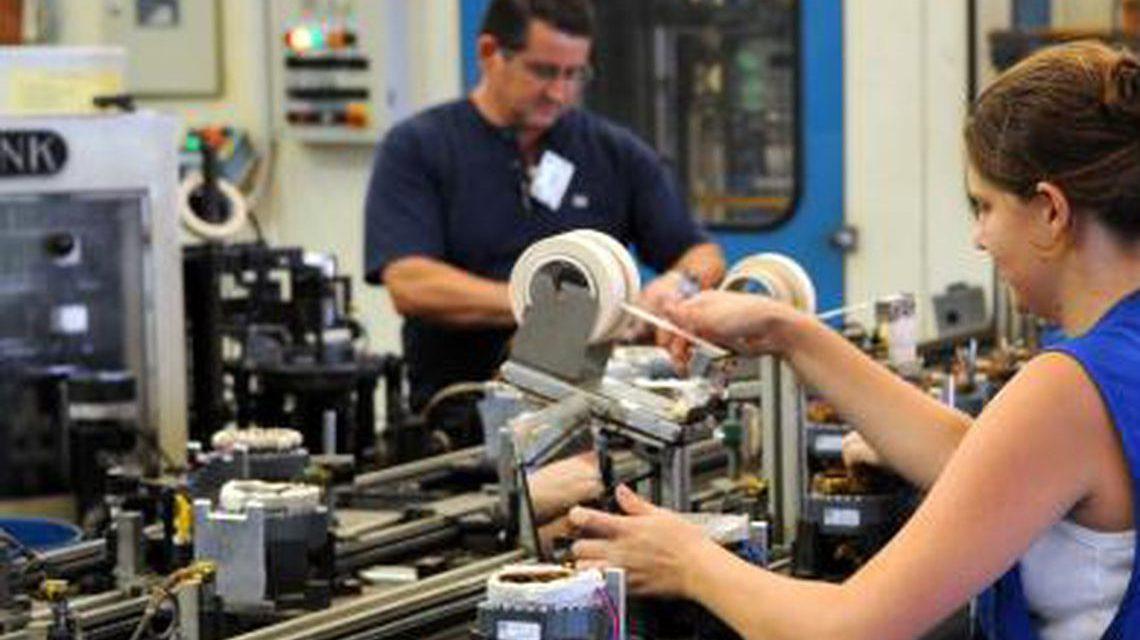 Atividade econômica tem queda de 0,47% em abril