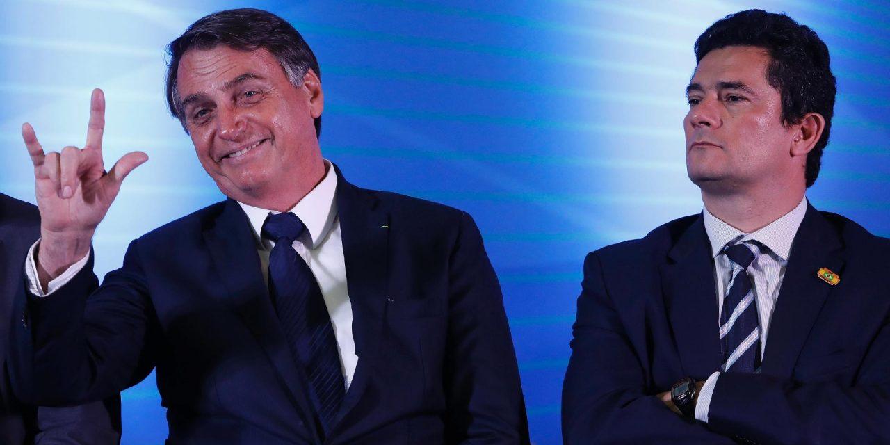 Bolsonaro recebe Moro após divulgação de mensagens atribuídas ao ministro