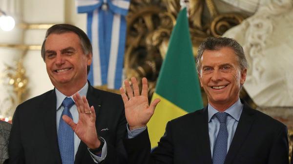 Bolsonaro conclama argentinos a votar com responsabilidade em outubro