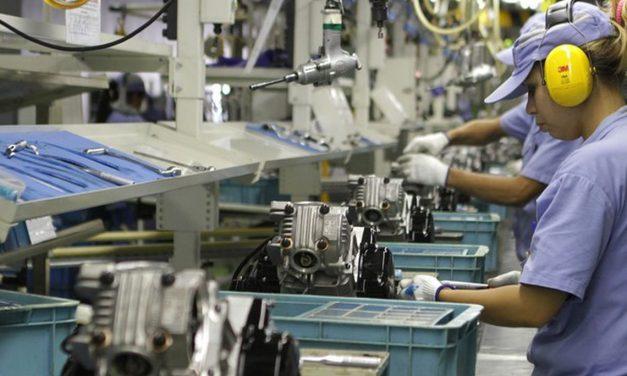 Produção industrial cresce 0,3% de março para abril