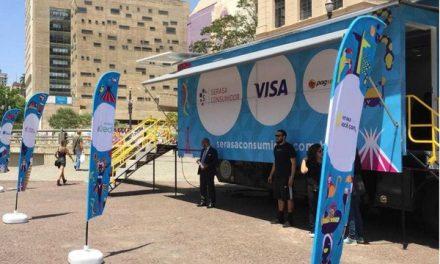 Caminhão da Serasa chega a Goiânia oferecendo serviços de graça e educação financeira