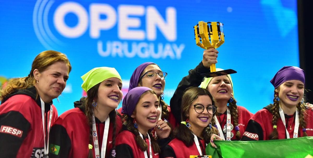 Brasileiros vencem torneio internacional de robótica do Uruguai