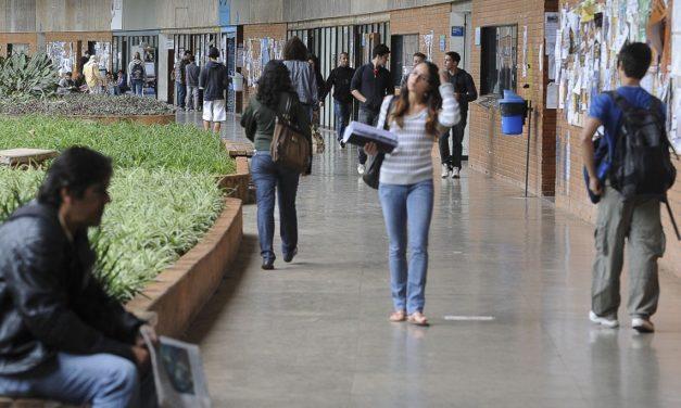 Brasil tem baixa taxa de escolarização superior, diz Semesp