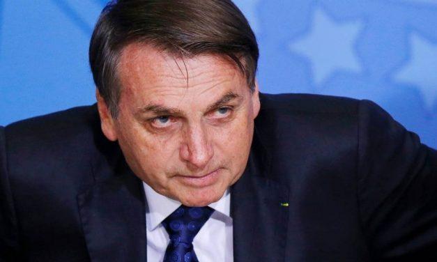 Bolsonaro edita sétimo decreto das armas e mantém brecha para compra de fuzil