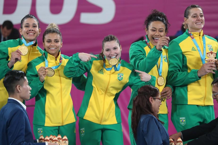 Brasil bate a Argentina e é hexa no handebol feminino no Pan