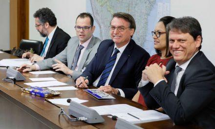 Bolsonaro defende trabalho infantil, mas diz que não propõe descriminalização para não ser 'massacrado'