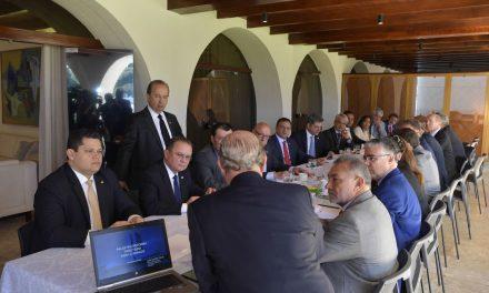 Líderes do Senado vão apresentar PEC da Reforma Tributária
