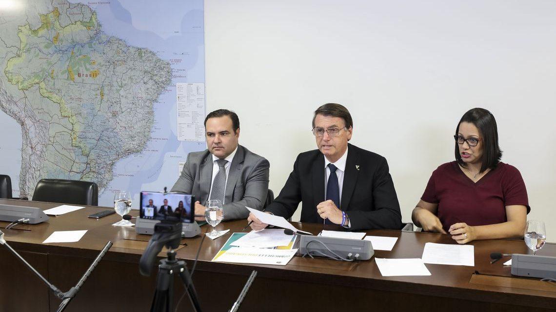 Em live, Bolsonaro diz que pretende extinguir a Ancine